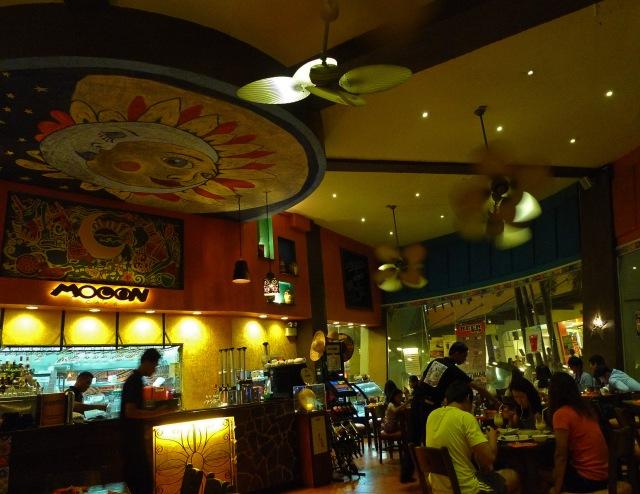 moon cafe cebu interior