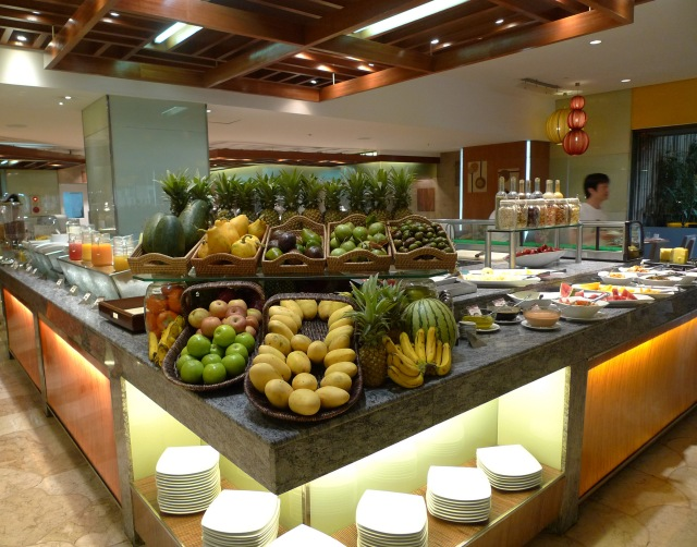 dose of fresh fruits at marco polo cebu breakfast buffet