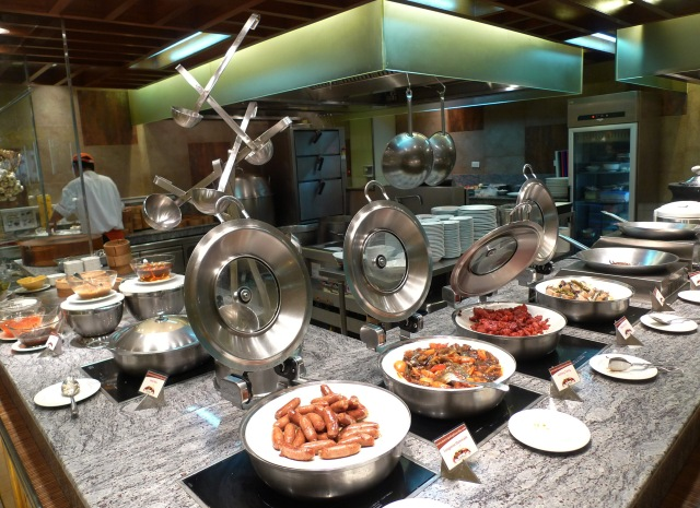 filipino food + dumplings at marco polo cebu breakfast buffet