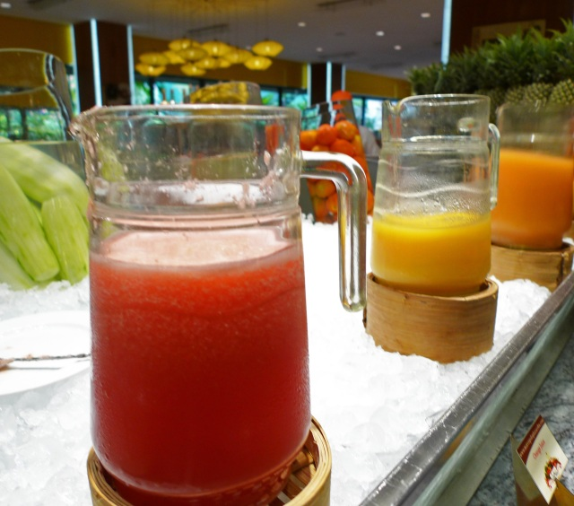 pick your juice: marco polo buffet breakfast